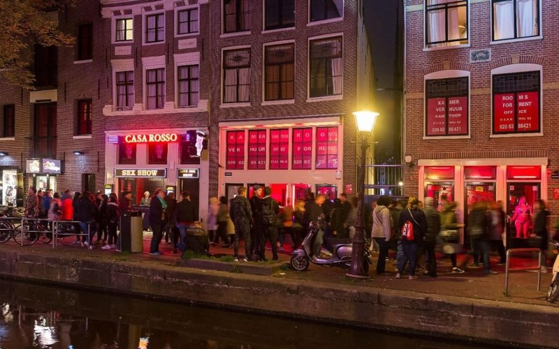 Fines, street closures and code reds: How 'urban jungle' Amsterdam is clamping down on tourist excess